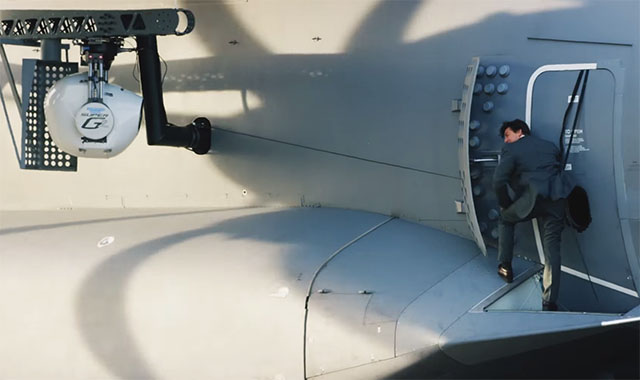 Mission_Impossible_The_Plane_Stunt