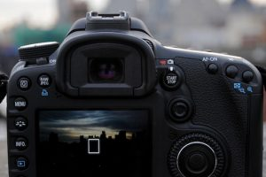 How to Produce Professional Shots with a Low Dynamic Range Camera