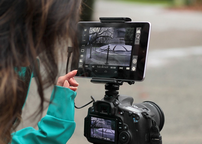 Turn Your Tablet Into A Camera Monitor With The Camlet Mount