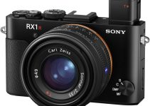 New Sony RX1R II Is A 42 Megapixel Full-Frame Compact Monster