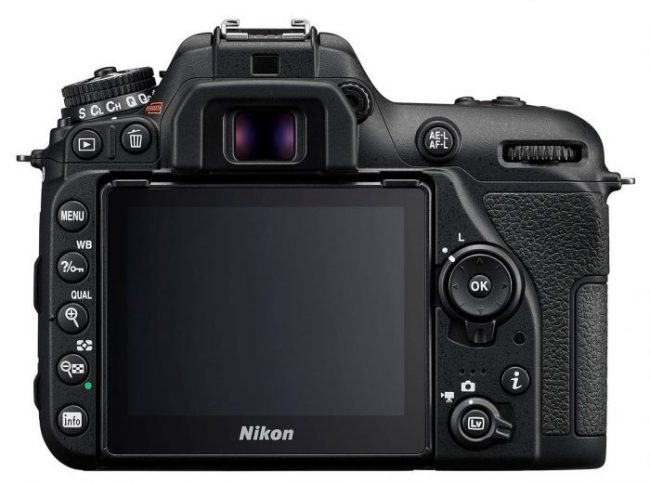 Nikon D7500 rear touchscreen