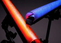"""Digital Sputnik VOYAGER is an RGB """"Lightsaber"""" LED You Can Control with Your Smart Phone"""