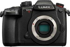 First Leaked Image of the LUMIX GH5 Mark II Emerges