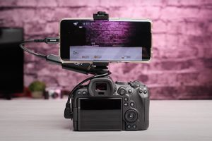 How to Use Your Smartphone as an External Monitor and Recorder
